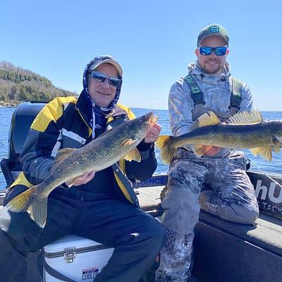 Trophy door county spring walleye fishing