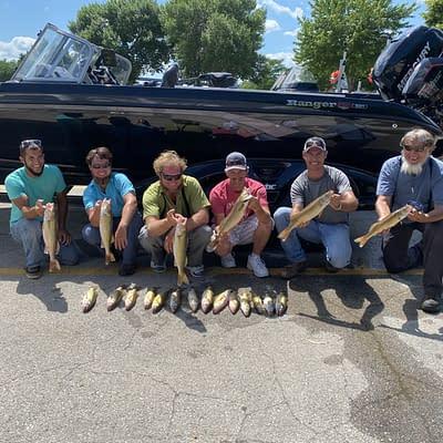 World class walleye fishing on green bay