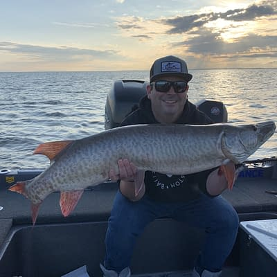 Musky fishing, guided musky fishing, casting, trophy